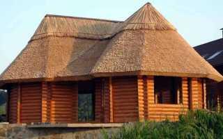 Соломенная крыша избы