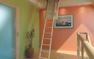 Жилое помещение на чердаке с наклонным потолком